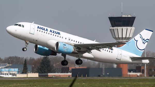 Airbus A318 компании AZUR air - Sputnik Узбекистан