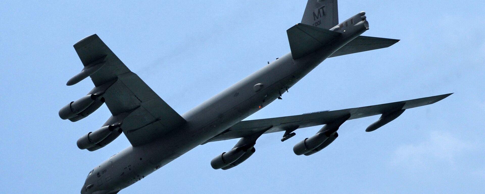 Американский бомбардировщик B-52 - Sputnik Узбекистан, 1920, 03.10.2020