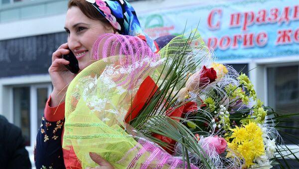 Букет на 8 марта - Sputnik Узбекистан