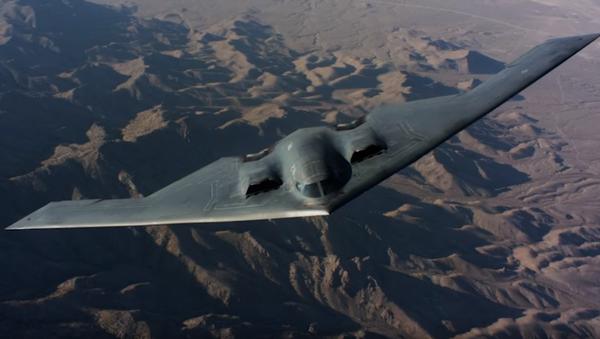 Бомбардировщик B-2 в полете - Sputnik Ўзбекистон