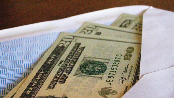 Американская валюта в конверте - Sputnik Узбекистан