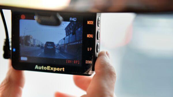 Videoregistrator v avtomobile - Sputnik Oʻzbekiston