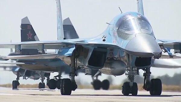 Вылет первой группы самолетов ВКС с авиабазы Хмеймим в пункты постоянного базирования на территории России - Sputnik Ўзбекистон