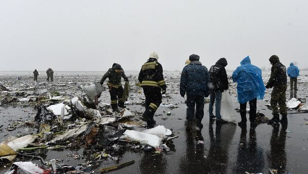 Ростова-на-Дону шаҳрида ҳалокатга учраган Boeing-737-800 самолёти - Sputnik Ўзбекистон
