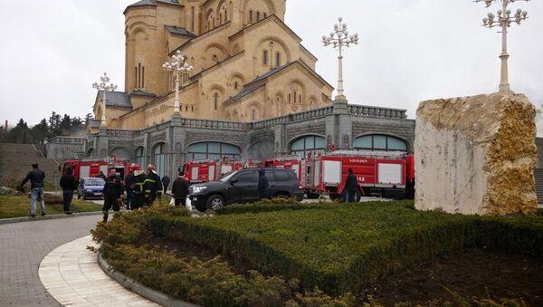 Пожар в храме Самеба - Sputnik Узбекистан