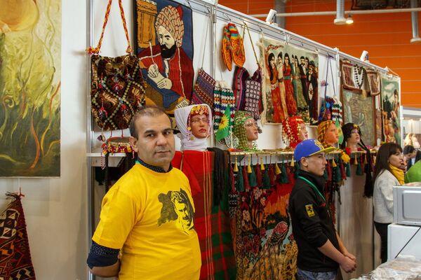Стенд Курдистана на празднике Навруз в Москве - Sputnik Узбекистан