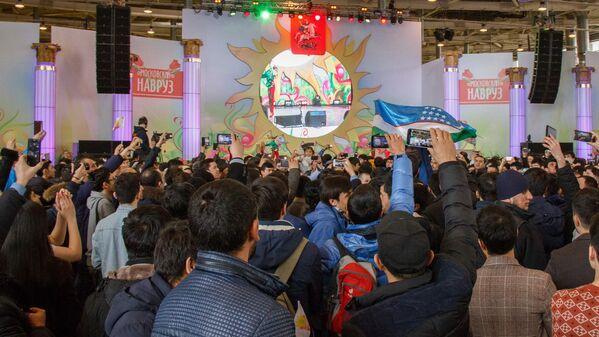 Зрители с восторгом встречают танцевальную группу из Узбекистана - Sputnik Узбекистан