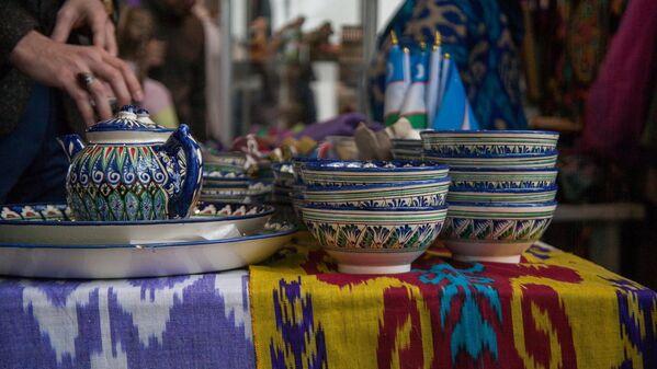Выставка керамики на стенде Узбекского НКО - Sputnik Узбекистан