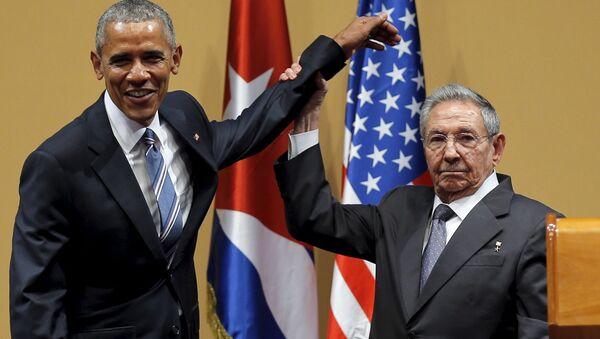Barak Obama va Raul Kastro - Sputnik Oʻzbekiston
