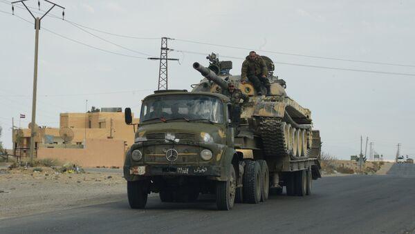 Сирийская армия и отряды ополчения на подступах к Пальмире - Sputnik Узбекистан