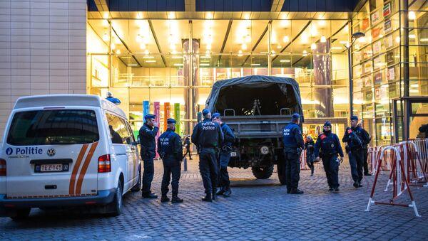 Усиление мер безопасности в Брюсселе - Sputnik Узбекистан