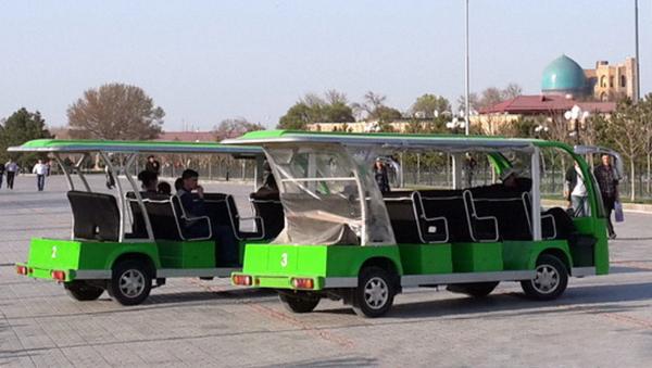 Туристические электро-автобусы в Самарканде - Sputnik Узбекистан