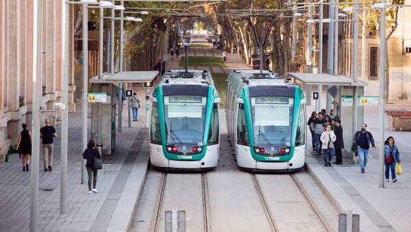 Barselonada zamonaviy tramvay - Sputnik Oʻzbekiston