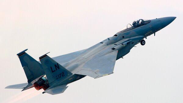 Полет истребителя F-15 - Sputnik Ўзбекистон