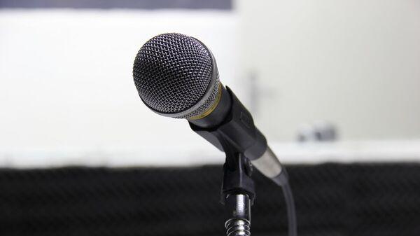 Mikrofon dlya vыstupleniy - Sputnik Oʻzbekiston