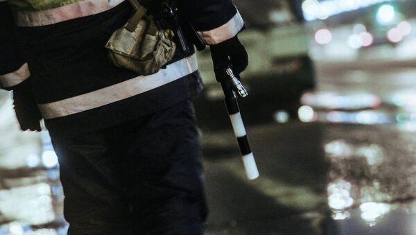 Сотрудник дорожно-патрульной службы - Sputnik Узбекистан