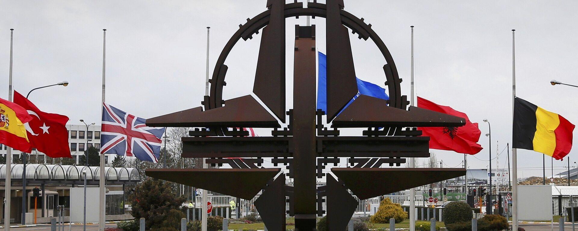 Эмблема NATO - Sputnik Ўзбекистон, 1920, 16.06.2021