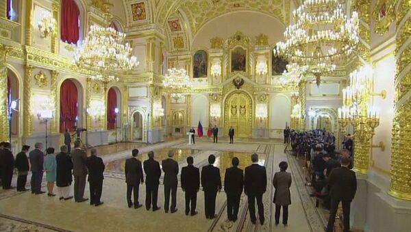 Вручение верительных грамот Президенту России - Sputnik Ўзбекистон