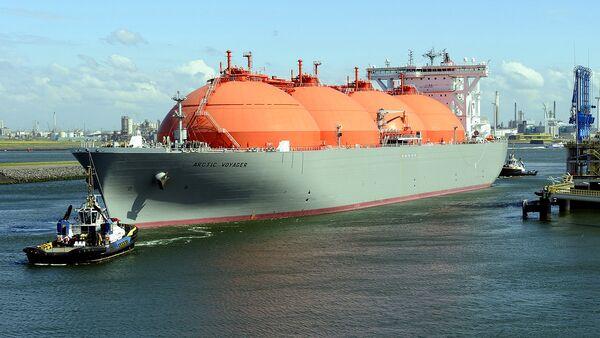Gaz tashiydigan supertanker - Sputnik Oʻzbekiston