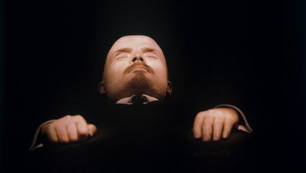 Telo Vladimira Ilicha Lenina v Mavzoleye V.I. Lenina - Sputnik Oʻzbekiston