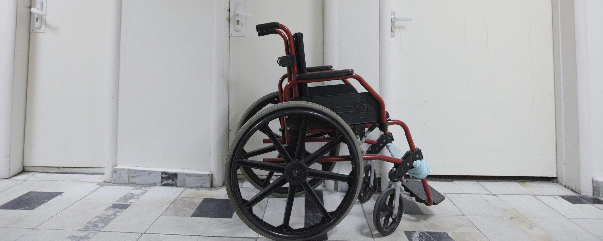 Инвалидная коляска - Sputnik Узбекистан, 1920, 23.08.2019