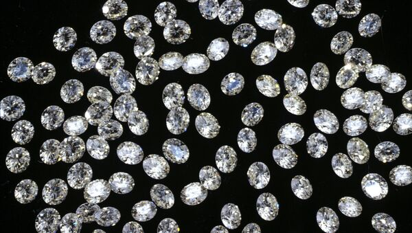 Россыпь ограненных алмазов - Sputnik Ўзбекистон