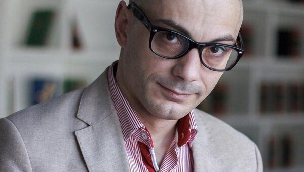 Писатель и публицист Армен Гаспарян - Sputnik Узбекистан