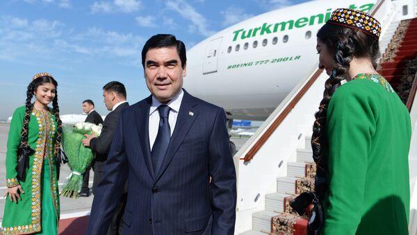 Turkmaniston prezidenti Gurbanguli Berdimuhammedov - Sputnik Oʻzbekiston