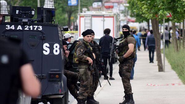 Турецкие полицейские - Sputnik Ўзбекистон