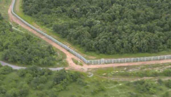 Болгария строит забор от мигрантов на границе с Турцией - Sputnik Узбекистан