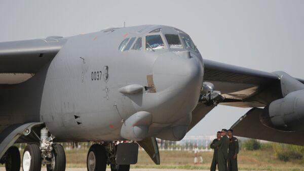 АҚШнинг  Б-52  ҳарбий самолети - Sputnik Ўзбекистон
