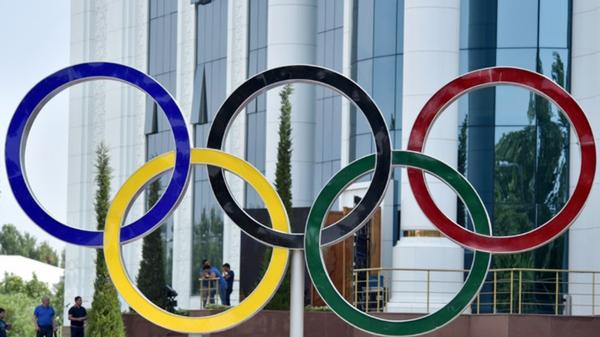Олимпийские кольца на спортивном празднике в Ташкенте - Sputnik Ўзбекистон