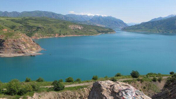 Tashkentskoye more ili prityagatelnыy Charvak - Sputnik Oʻzbekiston