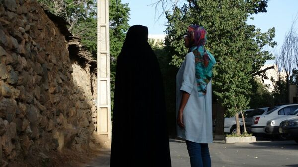 Девушки в хиджабах - Sputnik Ўзбекистон