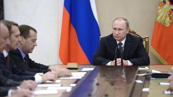 Prezident RF V. Putin provel zasedaniye Sovbeza RF - Sputnik Oʻzbekiston