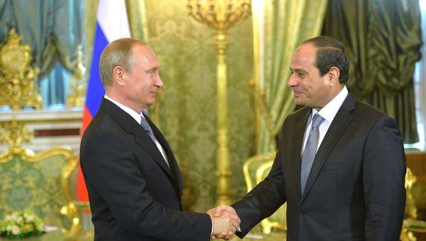 Rossiya prezidenti V. Putin Misr prezidenti A.F.as-Sisi bilan uchrashdi - Sputnik Oʻzbekiston