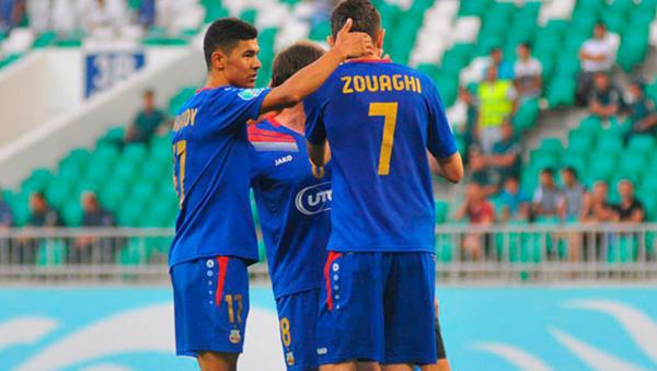 Игроки футбольного клуба Бунёдкор - Sputnik Узбекистан
