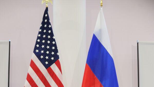 Флаги США и России. - Sputnik Узбекистан