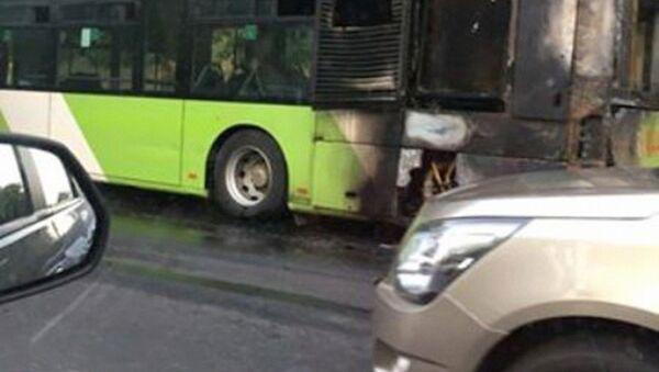 Ёнган автобус - Sputnik Ўзбекистон