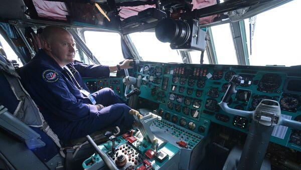 Kabina pilotov samoleta - Sputnik Oʻzbekiston