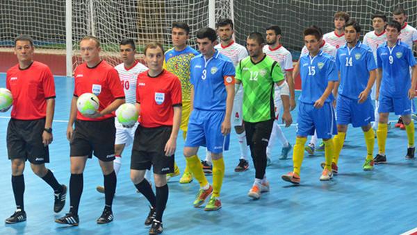 Товарищеский матч сборных Узбекистана и Таджикистана по футзалу - Sputnik Узбекистан