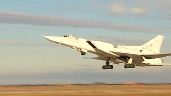 Российские Ту-22М3  - Sputnik Ўзбекистон