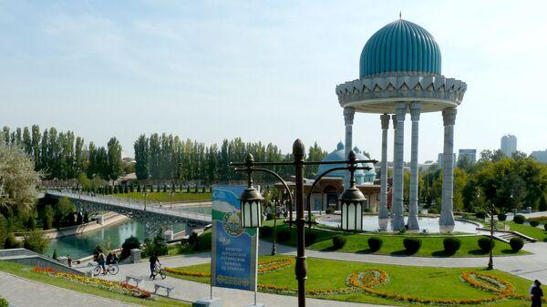 Монумент жертвам репрессий в комплексе Шахидлар хотираси - Sputnik Узбекистан