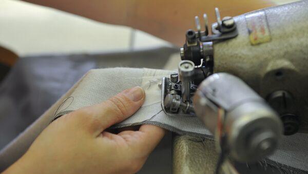 Работа в цехе швейной фабрики - Sputnik Ўзбекистон