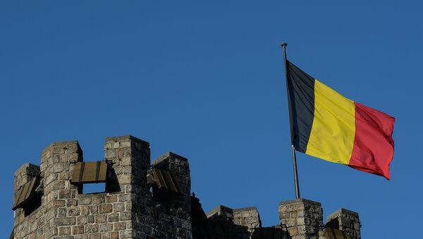 Флаг Бельгии на башне замка графов Фландрии в Генте. Архивное фото - Sputnik Узбекистан