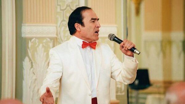 Оперный певец из Узбекистана руководитель ансамбля Регистан в Ташкенте Хурсанд Шеров - Sputnik Узбекистан