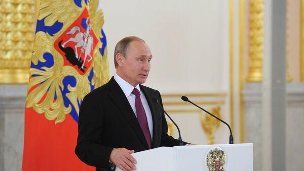 RF prezidenti V. Putin Kremlda Rossiya olimpiya termasi bilan uchrashdi - Sputnik Oʻzbekiston