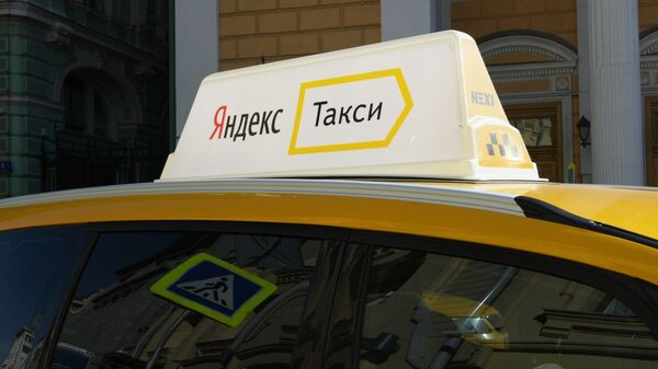 Avtomobil slujbы Yandeks-taksi. - Sputnik Oʻzbekiston