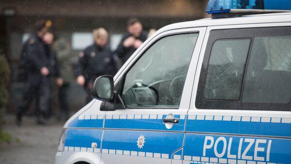 Полицейский автомобиль в Германии - Sputnik Ўзбекистон
