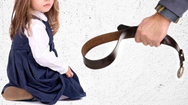 Избиение ребенка. Постановочное фото - Sputnik Узбекистан
